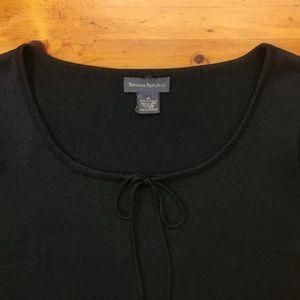 Banana Republic Tops - Banana Republic Black Short Sleeve Silk Top Cute!!